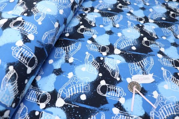 Sweat blau mit Converse