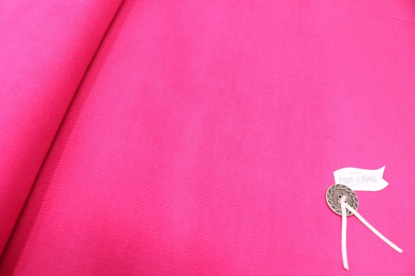 Pinker Baby-Cordstoff